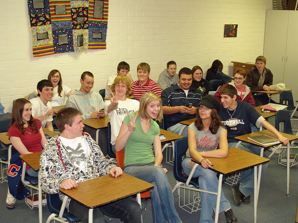 1024px-Calhan_High_School_Senior_Classroom_by_David_Shankbone.jpg